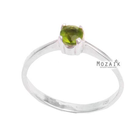Ezüst Gyűrű Zöld Kristálykővel