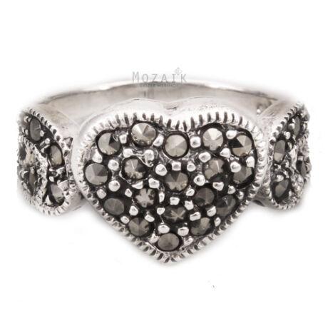 Ezüst Szíves Gyűrű Markazit Kövekkel