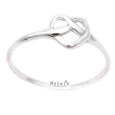 Ezüst Gyűrű Fonott Szívmintával