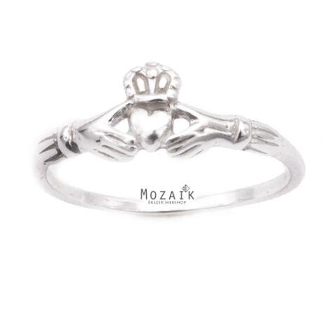 """Ezüst Gyűrű """"Szívet Tartó Kéz"""" Mintával"""