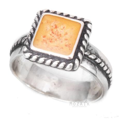 Ezüst Gyűrű Narancsszínű Spiny Drágakő Intarziával és Fonott Díszítéssel