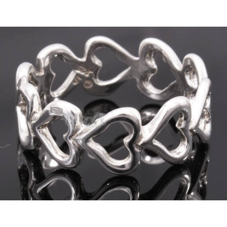 Ezüst Gyűrű Szívekkel