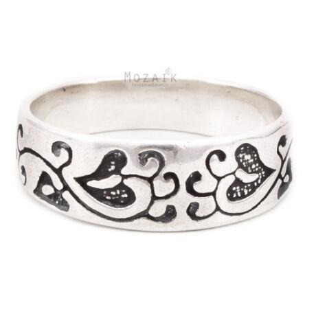 Ezüst Gyűrű Fekete Virágmintával