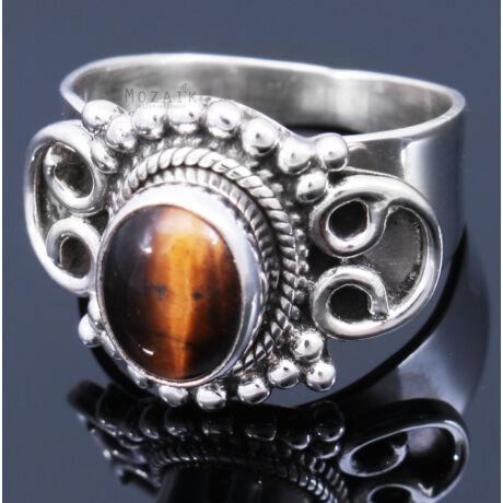 Sterling Ezüst Kaboson Gyűrű Tigrisszemmel