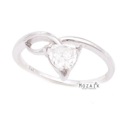 Ezüst Gyűrű Gyönyörű Szívalakú Cirkóniával