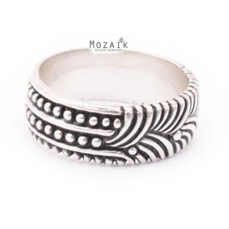 Különleges ezüst gyűrű